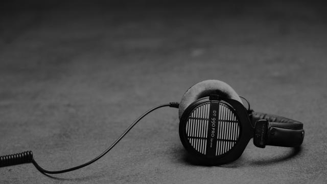 Open headphones for the small home studio
